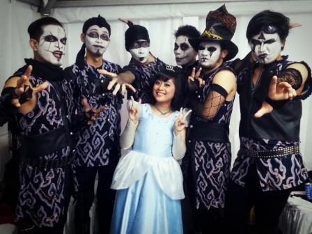 Just before our performance at Balai Kota :D